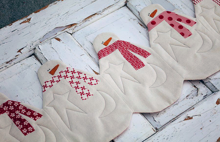 snowmen table runner